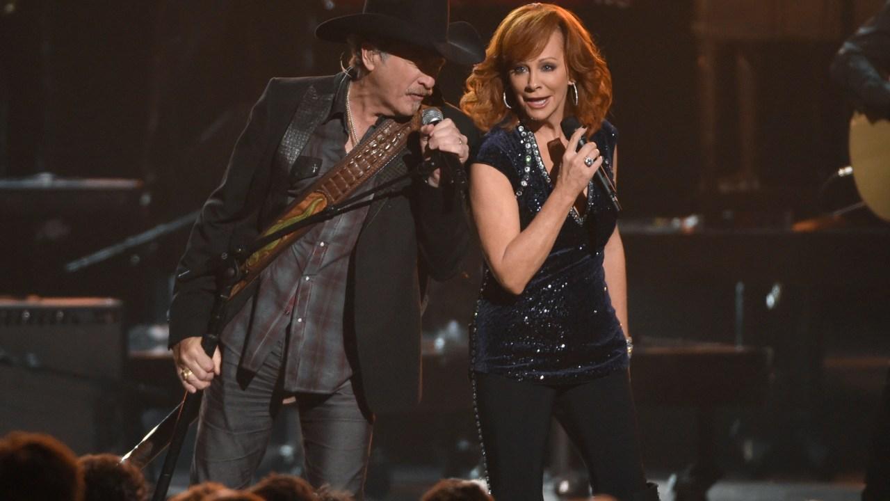 Reba, Brooks & Dunn shows in Vegas postponed due to pandemic