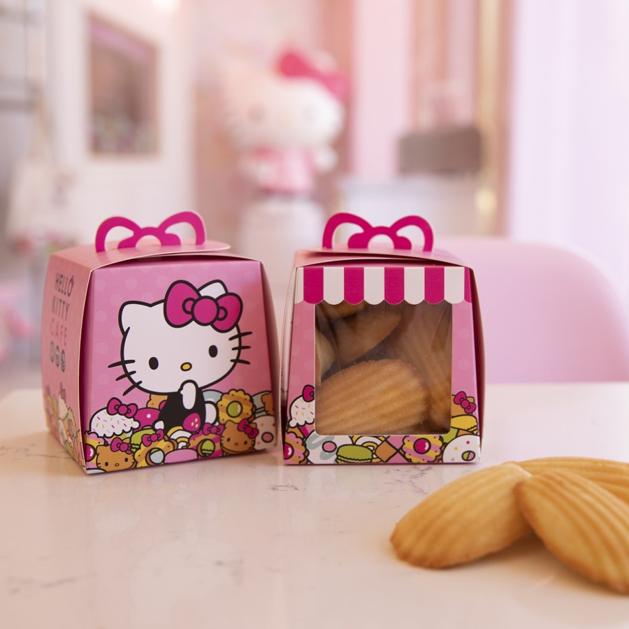 Hello Kitty food truck