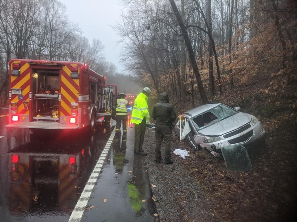 Car rescue in Dickson County