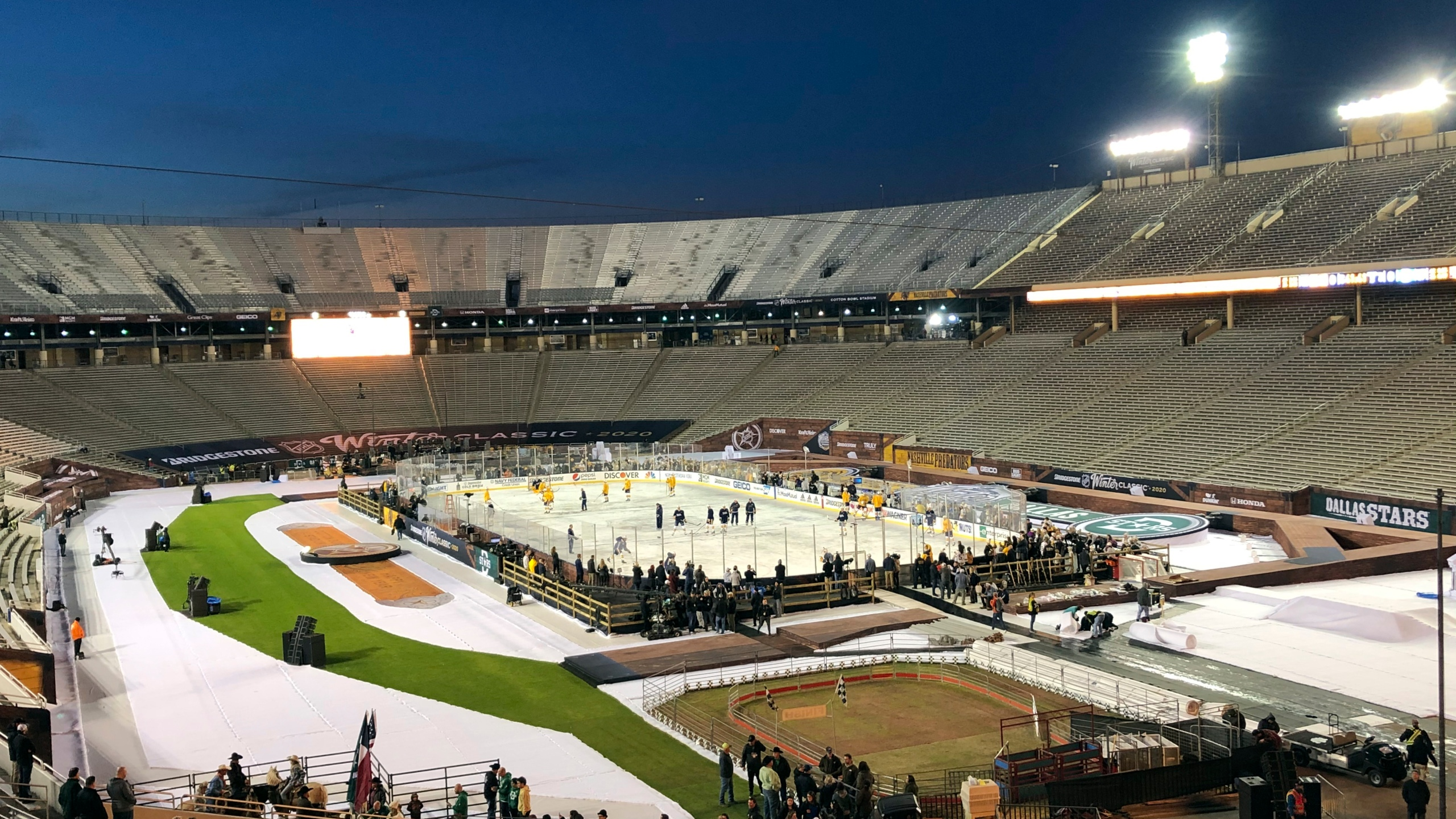 Winter Classic-Cotton Bowl Hockey
