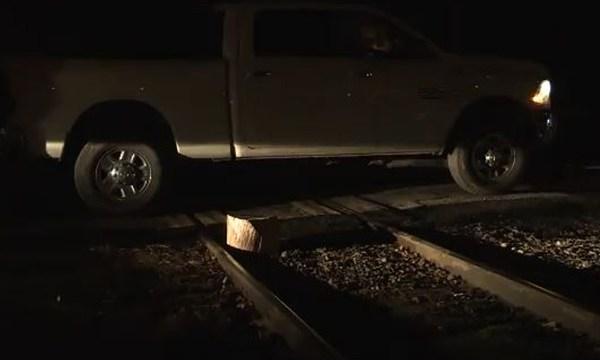 Kentucky miners block train