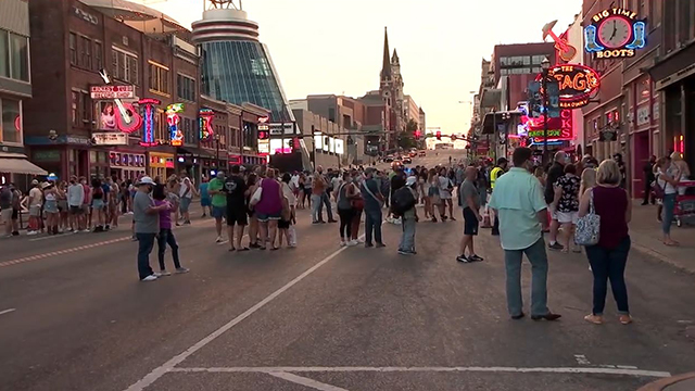 Labor Day crowds Broadway