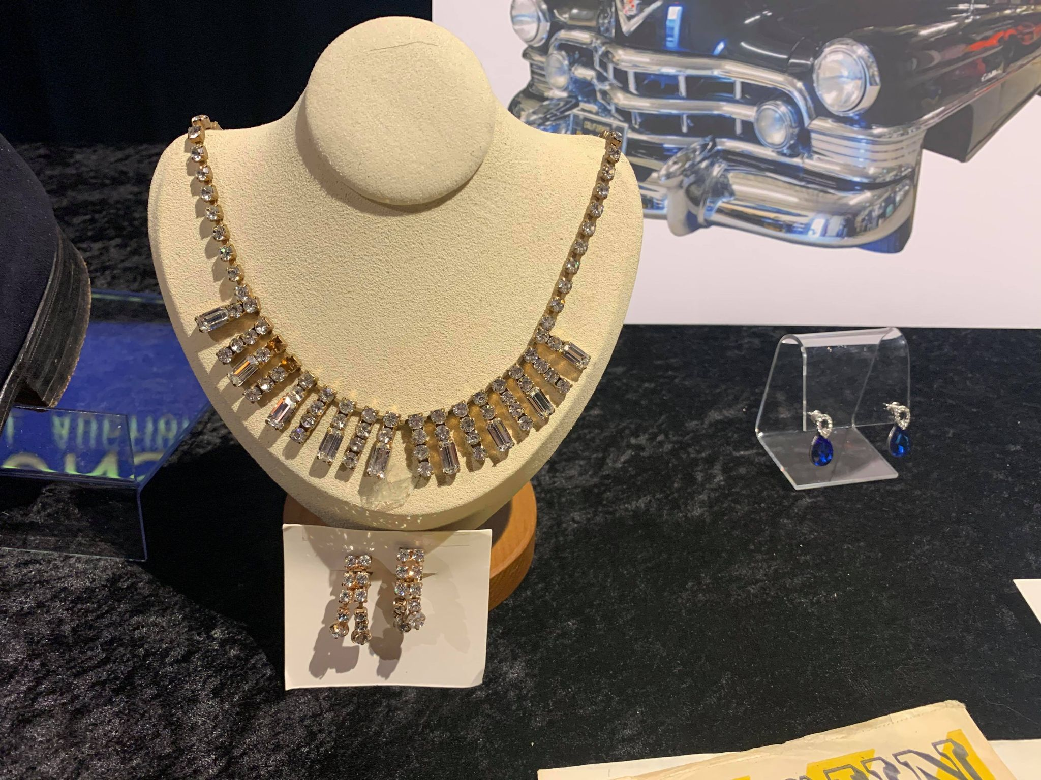 Kruse GWS Auctions: Marilyn Monroe necklace, Elizabeth Taylor blue drop earrings