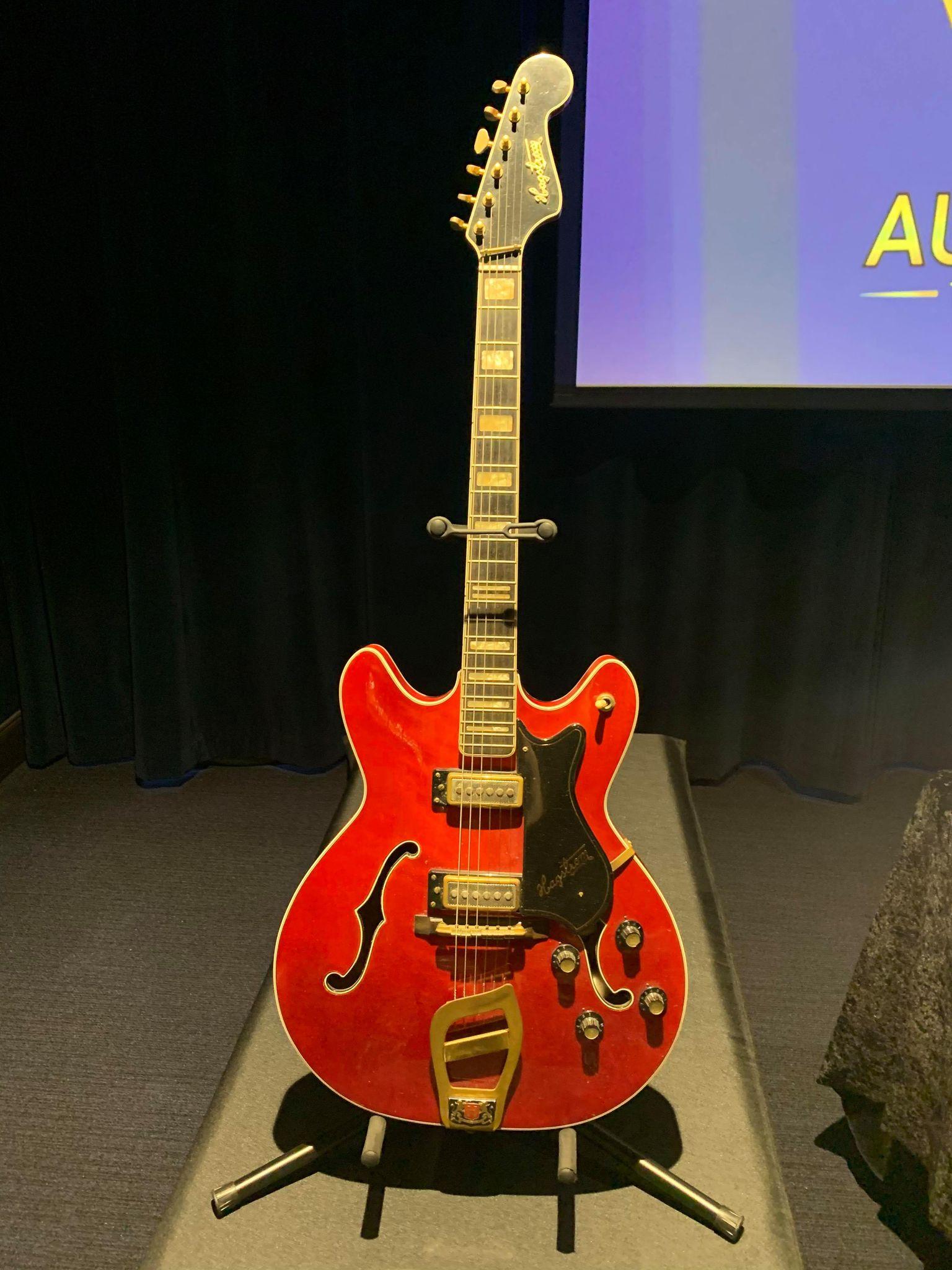 Kruse GWS Auctions: Elvis Presley Comeback TV Special guitar