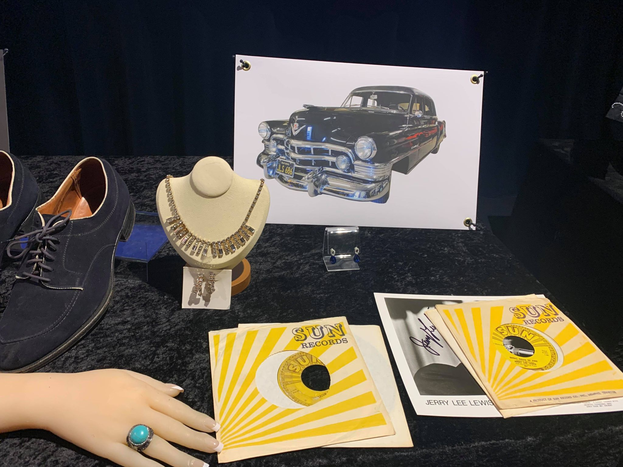 Kruse GWS Auctions: Elvis Presley Sun Records 45s signed by Sam Phillips