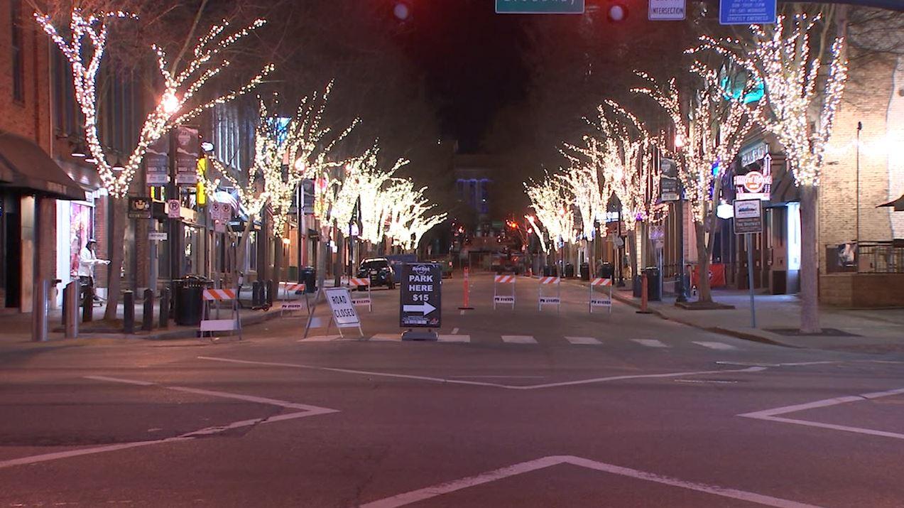2nd Avenue lights