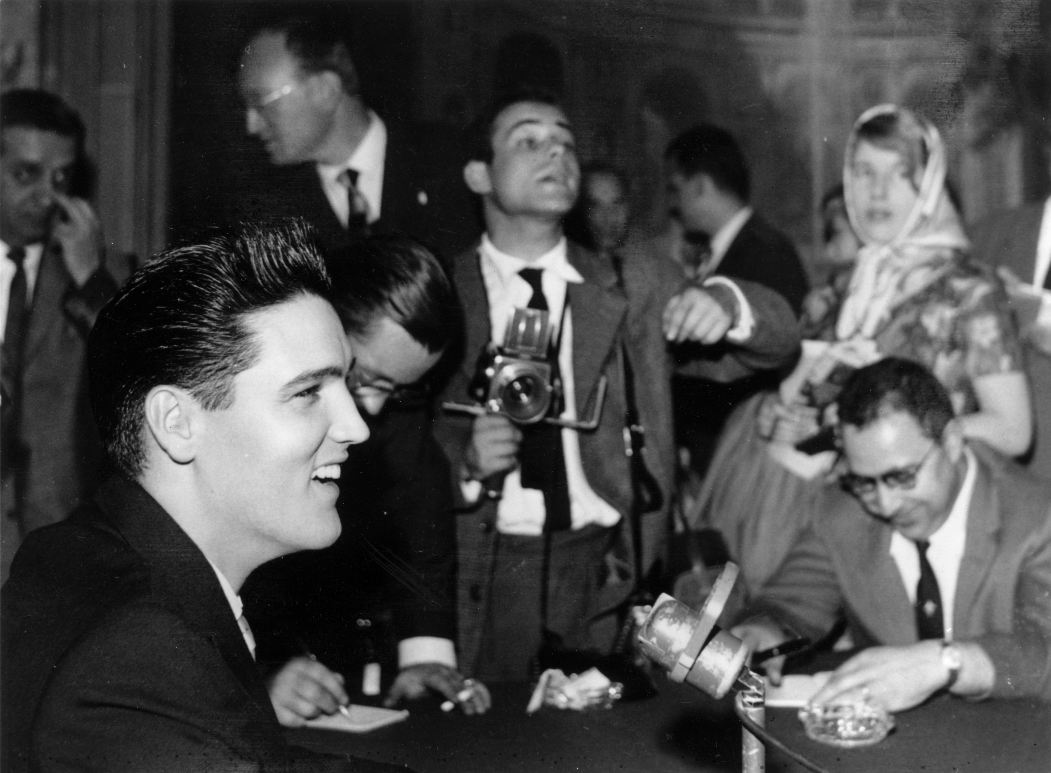 Elvis And The Press