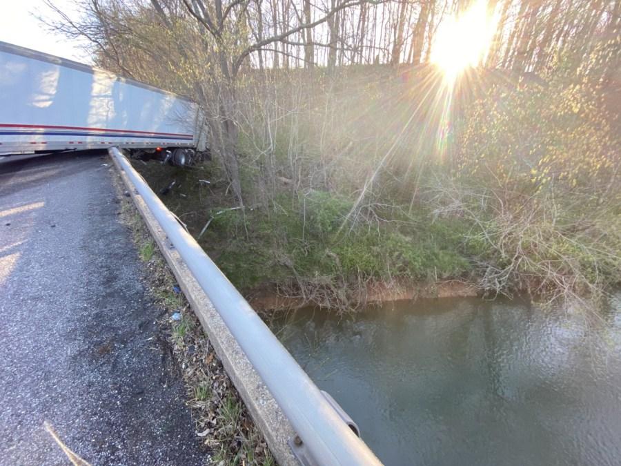 65 Robertson County crash
