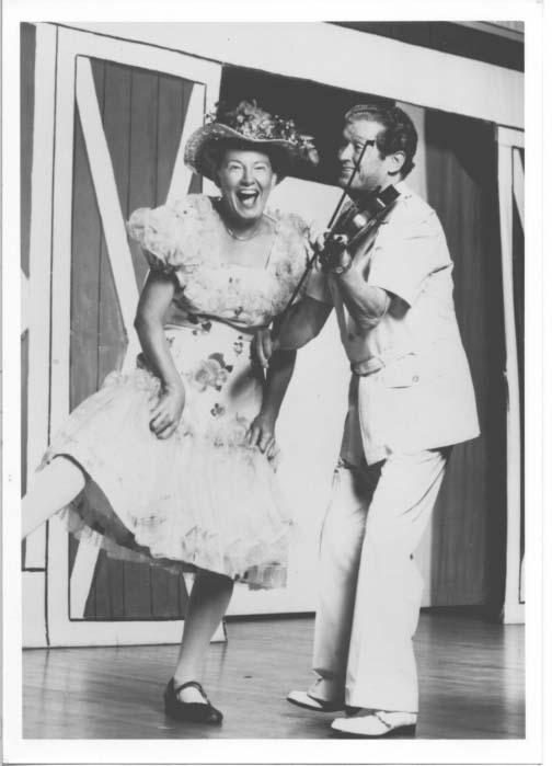 Minnie Pearl and Roy Acuff