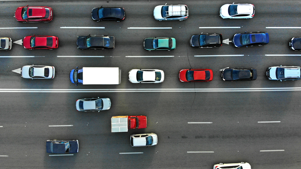 aggressive driving traffic image