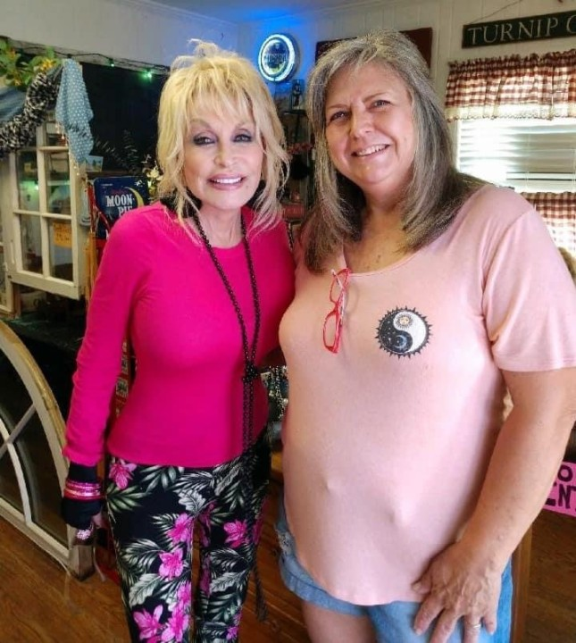 Dolly goes antiquing