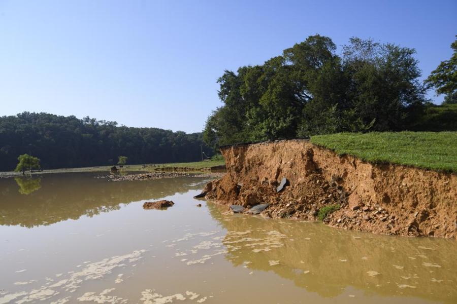 Waverly flooding debris